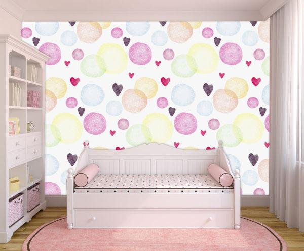 Interior de la habitación de una niño con muebles blancos y fotomural