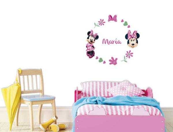 habitacion de niña decorada con minnie mouse