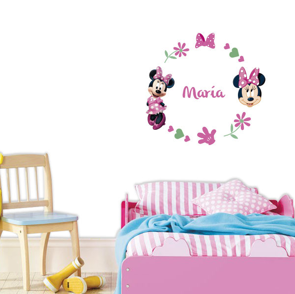 habitacion de niña decorada con minnie mouse
